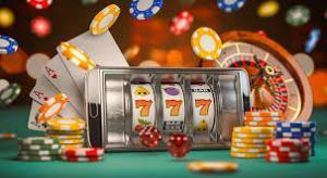 Kort, roulettebord, chips, terninger og Norge i neonlys