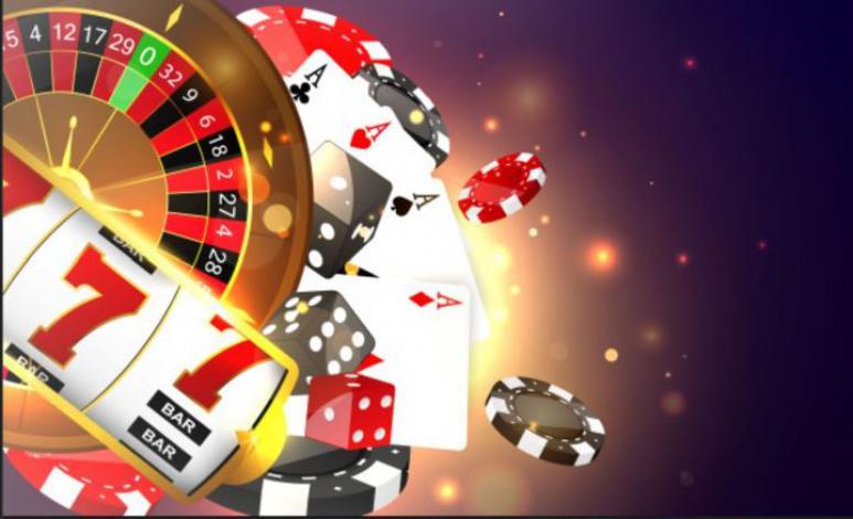 Kort, spilleautomater, roulettebord og chips i neonlys.